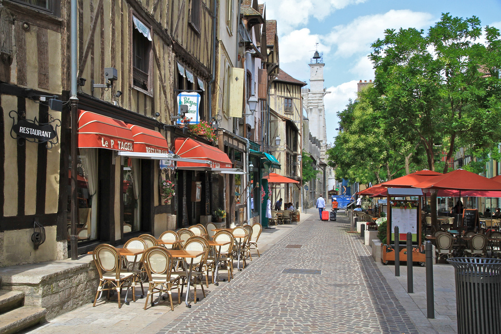 Cafes in the center of Troyes. Photo: Flickr/openroads.com