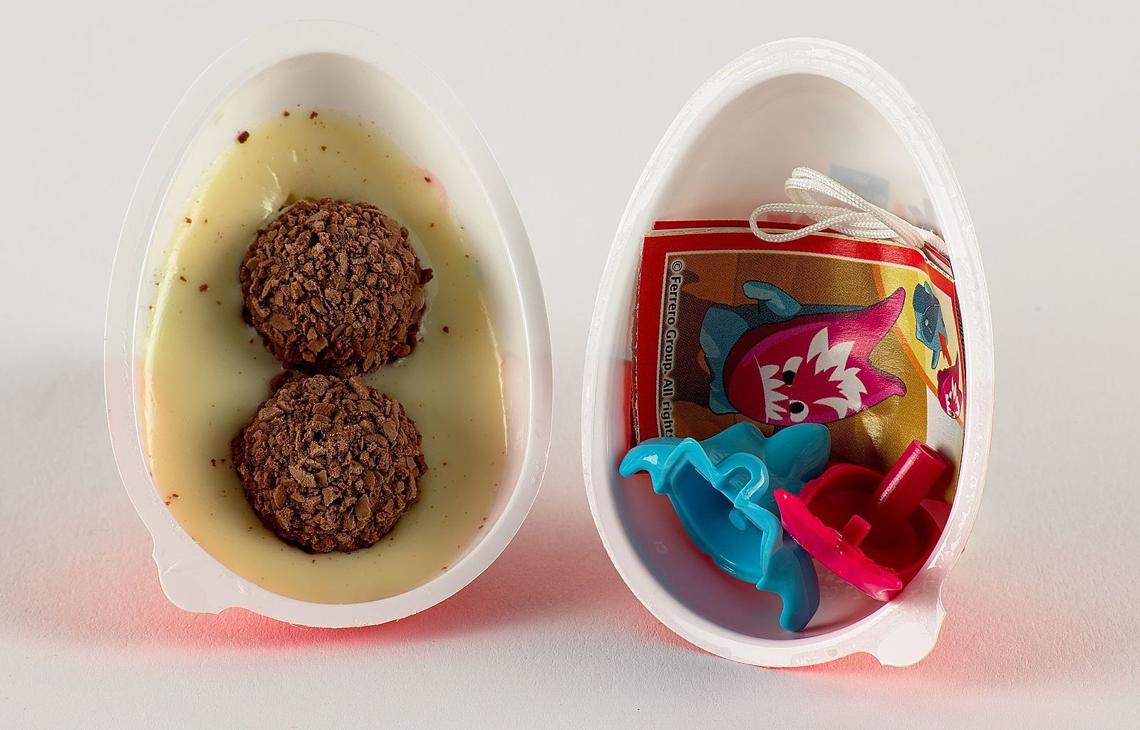 The inside of a Kinder Joy. Image from Wikimedia.