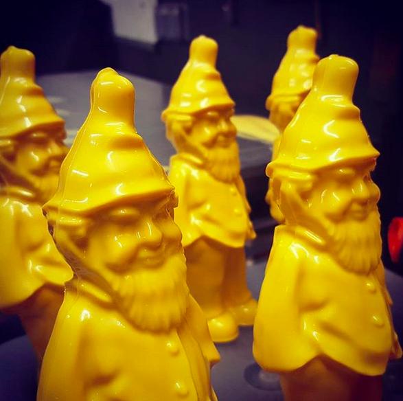 L'Eclair de Génie chocolate gnomes